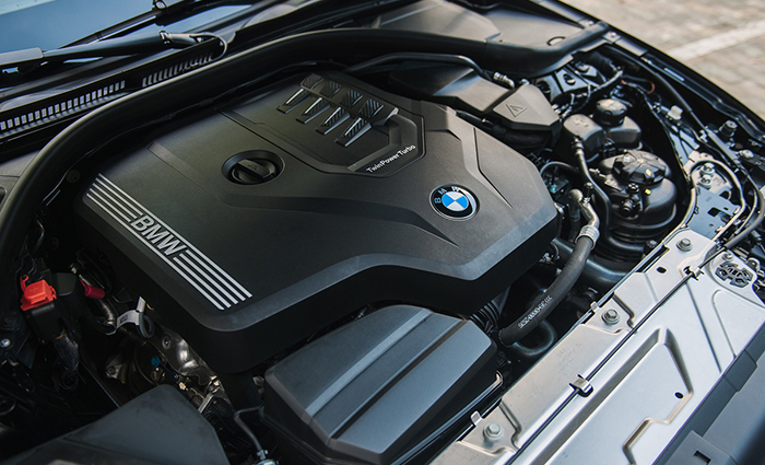 dong-co-bmw-330i-m-sport-2021