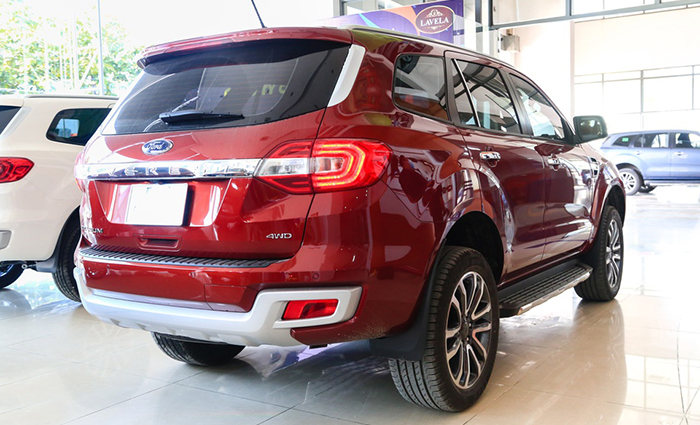 duoi-xe-ford-everest-2021