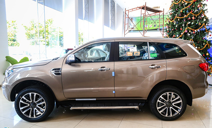 than-xe-ford-everest-2021